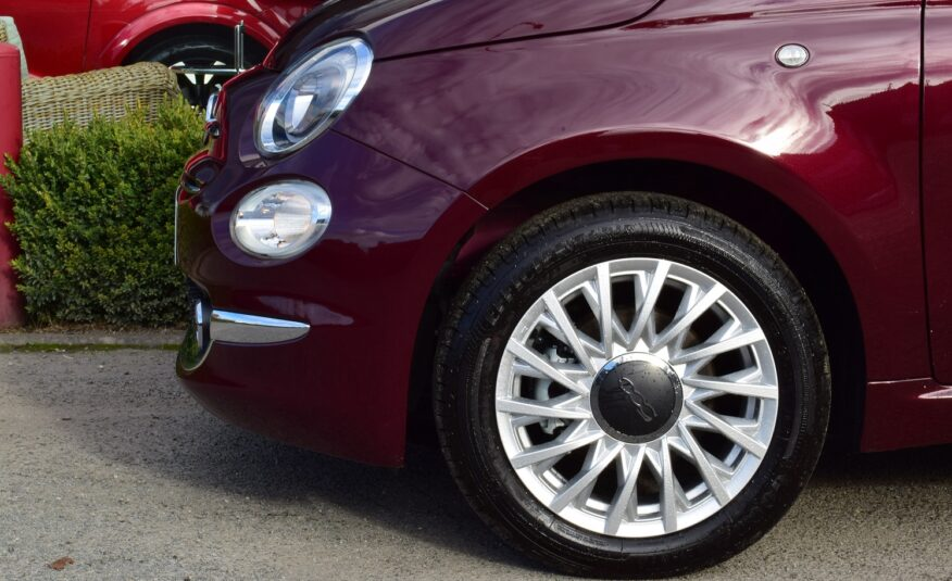 FIAT 500 Hybride 70pk – AIRCO – NAVIGATIE via CARPLAY – PANODAK – ALU – PARKEERSENSOREN – 0km