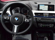 BMW X1 1.5iA 140pk – M-PACK – 1/2 LEDER – NAVI PRO – FULL LED – PANO DAK – CAMERA – 5.000km – VERKOCHT